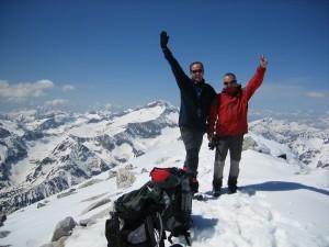 SoyMayorPerdiguero Abril 2007 20 en la cumbre con el Posets al fondo